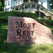 Mont Rest Sign